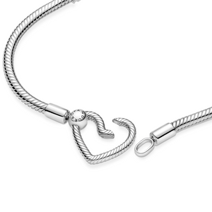 Bilde av Pandora moments heart closure bracelet